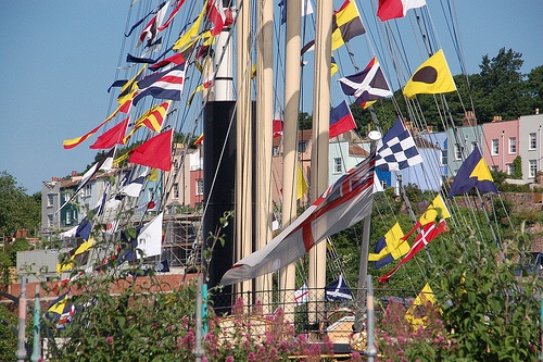 boat-photo-flags